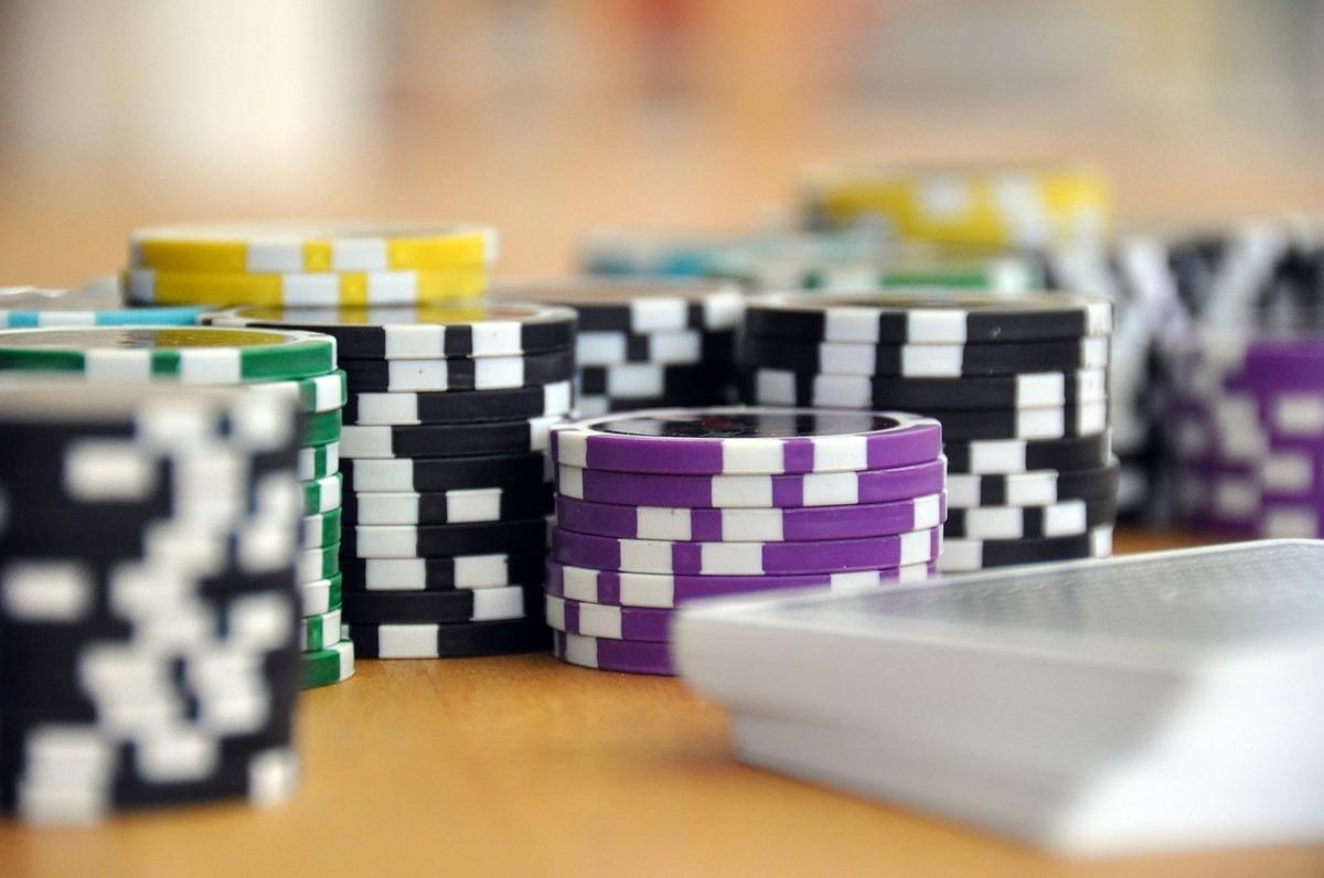 3.慕道者/教友可以賭博嗎?具體地說,慕道者/教友可以買六合彩嗎?可以到賭場賭一把嗎?可以打計錢的麻雀嗎?