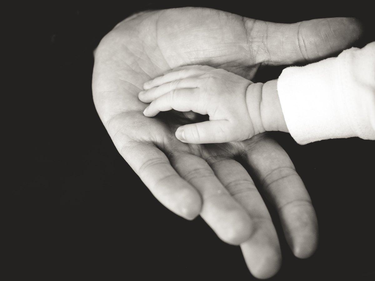 16.家人聽到我信仰天主教,反應頗大。我應如何處理與家人的關係?