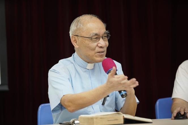 吳智勳神父.JPG